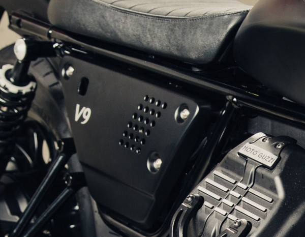 Set cover laterali in alluminio nero Moto Guzzi V7 III / V9 Bobber